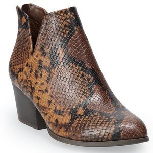 SO Barb Women's Ankle Boot